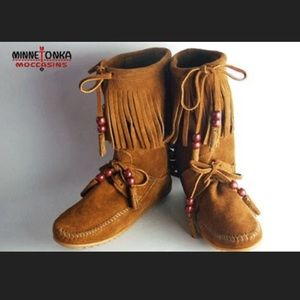Minnetonka Woodstock Brown Suede Fringe Boot Boho